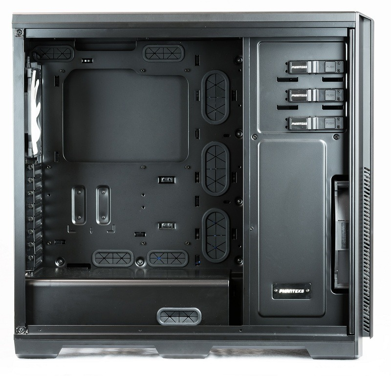 Phanteks Enthoo Pro with side panel