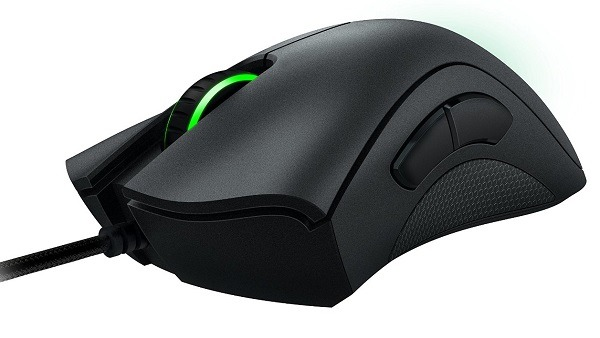 Razer DeathAdder Chroma Multi-Color Ergonomic Gaming Mouse