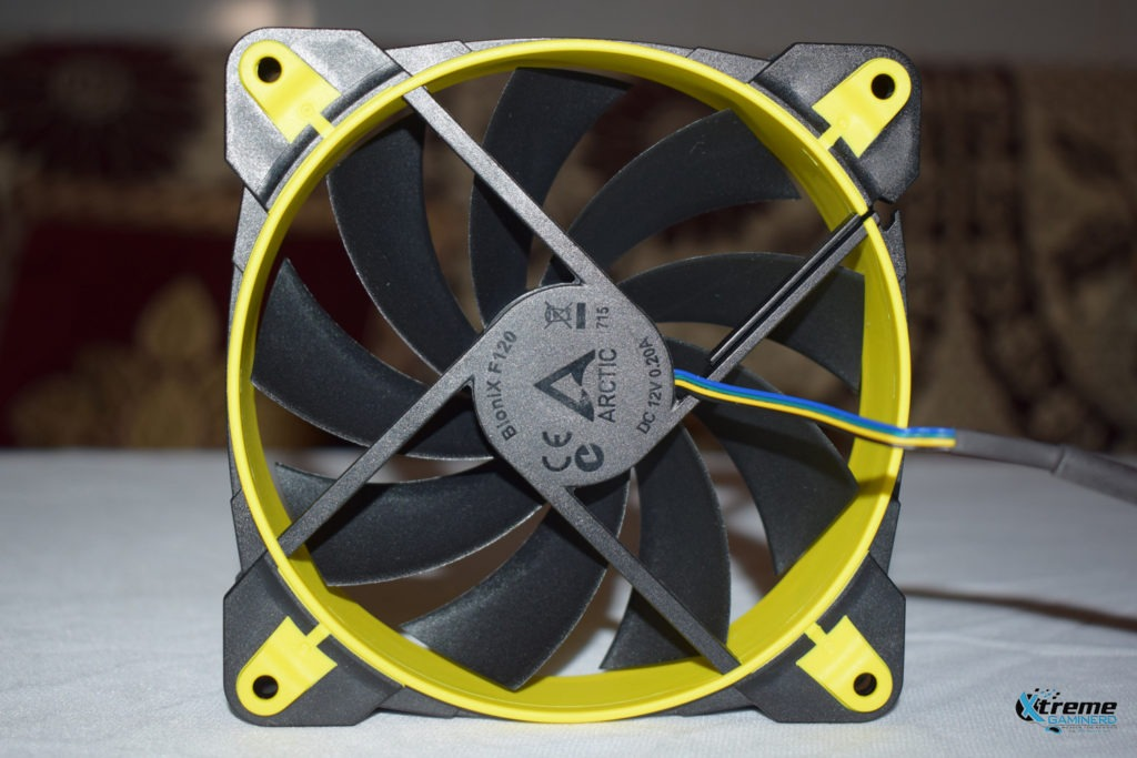 Arctic BioniX F120 gaming fan back