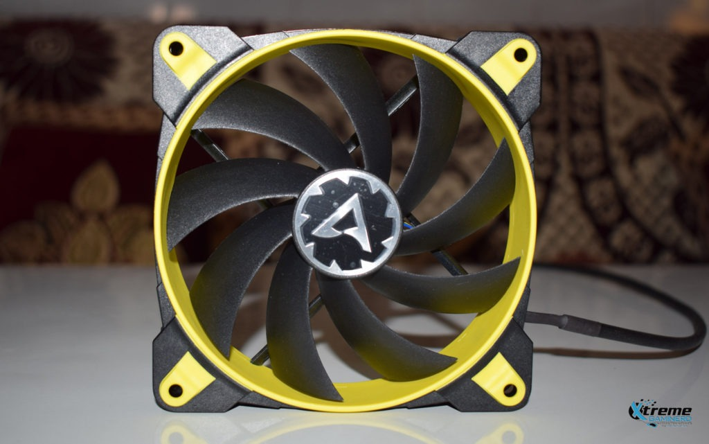 Arctic BioniX F120 gaming fan front